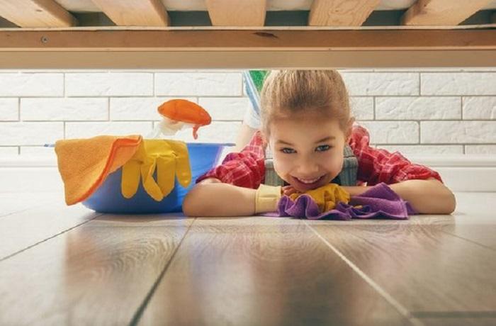 نظافت پارکت اتاق کودک